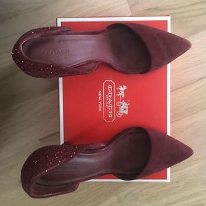Coach burgundy pointed toe pump size 8